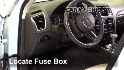 2017 Audi Q5 Premium Plus 3.0L V6 Supercharged Fusible (intérieur)