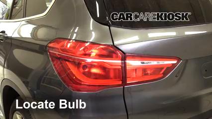2017 BMW X1 sDrive28i 2.0L 4 Cyl. Turbo Luces Luz trasera (reemplazar foco)