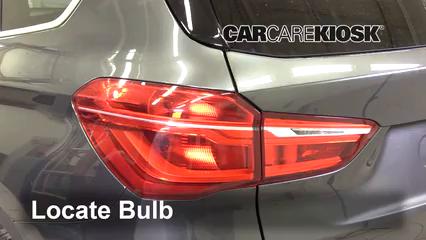 2017 BMW X1 sDrive28i 2.0L 4 Cyl. Turbo Luces Luz de giro trasera (reemplazar foco)