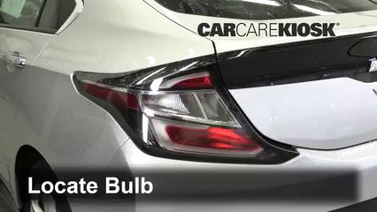 2017 Chevrolet Volt LT 1.5L 4 Cyl. Luces Luz de reversa (reemplazar foco)