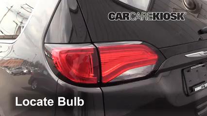 2017 Chrysler Pacifica Touring 3.6L V6 Luces Luz de reversa (reemplazar foco)