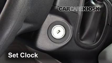 2017 Ford F-250 Super Duty XL 6.7L V8 Turbo Diesel Standard Cab Pickup Horloge