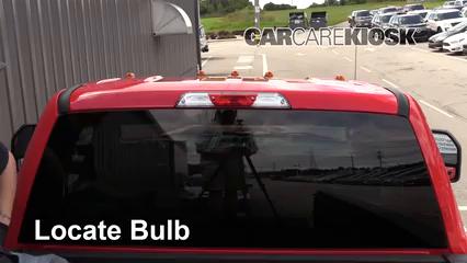 2017 Ford F-250 Super Duty XL 6.7L V8 Turbo Diesel Standard Cab Pickup Luces Luz de freno central (reemplazar foco)