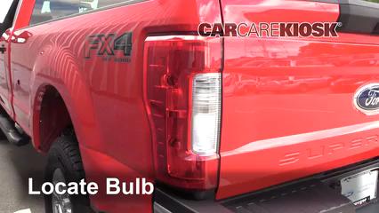 2017 Ford F-250 Super Duty XL 6.7L V8 Turbo Diesel Standard Cab Pickup Luces Luz de freno (reemplazar foco)