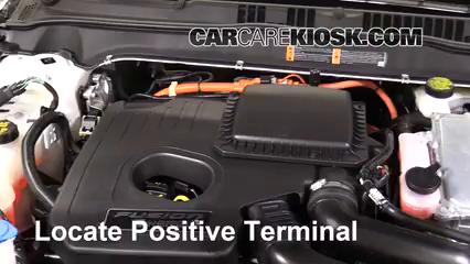2017 Ford Fusion Energi Titanium 2.0L 4 Cyl. Batería Encendido de puente