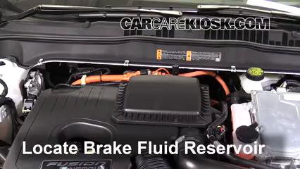2017 Ford Fusion Energi Titanium 2.0L 4 Cyl. Líquido de frenos