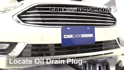 2017 Ford Fusion Energi Titanium 2.0L 4 Cyl. Aceite Cambiar aceite y filtro de aceite