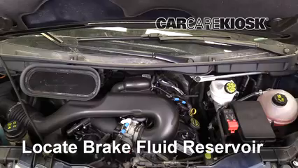 2017 Ford Transit-150 XLT 3.7L V6 FlexFuel Liquide de frein Contrôler le niveau de liquide de frein