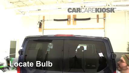 2017 Ford Transit-150 XLT 3.7L V6 FlexFuel Éclairage Feu de freinage central (remplacer l'ampoule)