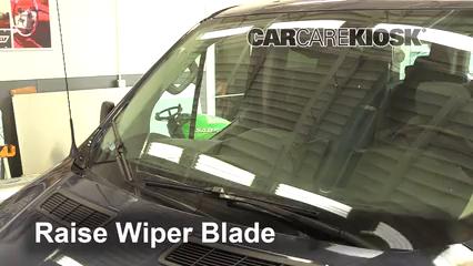 2017 Ford Transit-150 XLT 3.7L V6 FlexFuel Balais essuie-glace avant Changer les balais des essuie-glace
