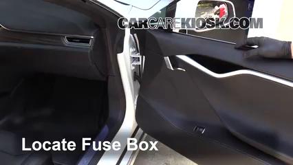 2017 Tesla S 90D Electric Fuse (Interior)