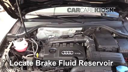2018 Audi Q3 Quattro Premium 2.0L 4 Cyl. Turbo Liquide de frein Contrôler le niveau de liquide de frein