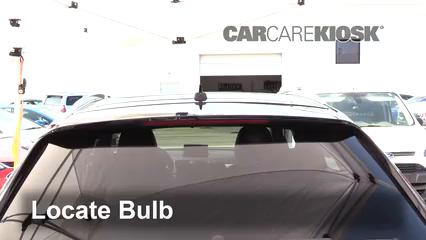 2018 Audi Q3 Quattro Premium 2.0L 4 Cyl. Turbo Éclairage Feu de freinage central (remplacer l'ampoule)