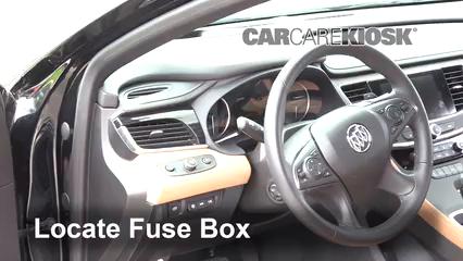 2018 Buick LaCrosse Premium 3.6L V6 Fusible (intérieur)