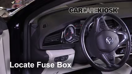 2018 Buick Regal Sportback Preferred II 2.0L 4 Cyl. Turbo Fusible (intérieur)