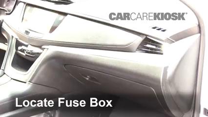 2018 Cadillac XT5 Premium Luxury 3.6L V6 Fusible (intérieur)