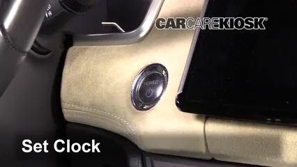 2018 Honda Clarity Plug-In Hybrid Touring 1.5L 4 Cyl. Horloge