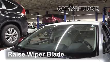 2018 Honda Clarity Plug-In Hybrid Touring 1.5L 4 Cyl. Balais essuie-glace avant