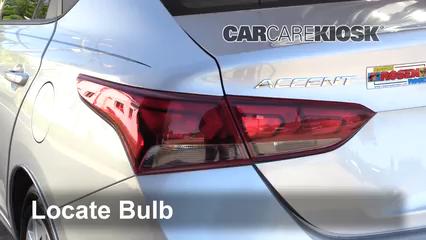 2018 Hyundai Accent SEL 1.6L 4 Cyl. Éclairage Feux de position arrière (remplacer ampoule)