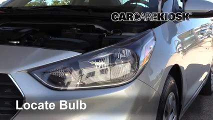 2018 Hyundai Accent SEL 1.6L 4 Cyl. Éclairage Feu clignotant avant (remplacer l'ampoule)
