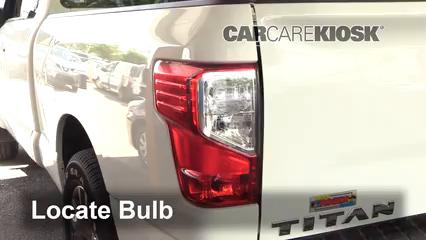 2018 Nissan Titan SV 5.6L V8 Extended Cab Pickup Lights