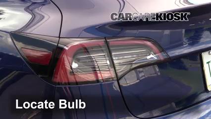 2018 Tesla 3 Electric Luces