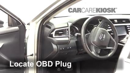 2018 Toyota Camry SE 2.5L 4 Cyl. Compruebe la luz del motor