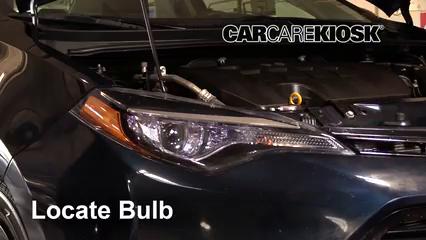 2018 Toyota Corolla XLE 1.8L 4 Cyl. Luces Luz de carretera (reemplazar foco)
