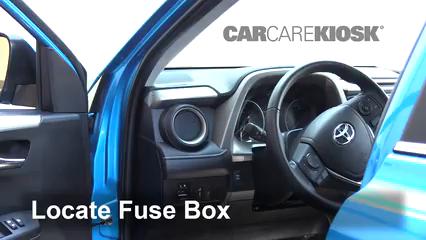 2018 Toyota RAV4 XLE 2.5L 4 Cyl. Fusible (interior)