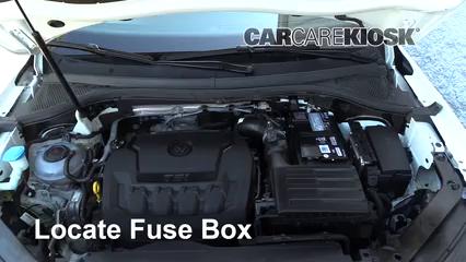Replace A Fuse 2018 2019 Volkswagen Tiguan 2018 Volkswagen Tiguan Se 2 0l 4 Cyl Turbo