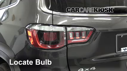 2019 Jeep Compass Limited 2.4L 4 Cyl. Lights