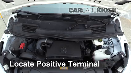2019 Mercedes-Benz Metris 2.0L 4 Cyl. Turbo Mini Cargo Van Batería Encendido de puente