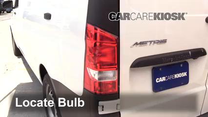 2019 Mercedes-Benz Metris 2.0L 4 Cyl. Turbo Mini Cargo Van Luces Luz de giro trasera (reemplazar foco)