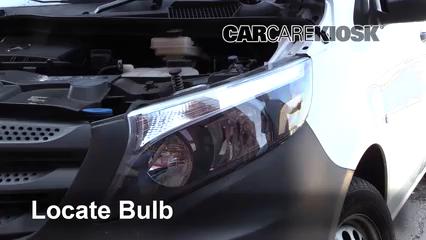 2019 Mercedes-Benz Metris 2.0L 4 Cyl. Turbo Mini Cargo Van Luces Luz de estacionamiento (reemplazar foco)