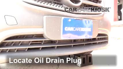 2019 Mercedes-Benz Metris 2.0L 4 Cyl. Turbo Mini Cargo Van Aceite Cambiar aceite y filtro de aceite