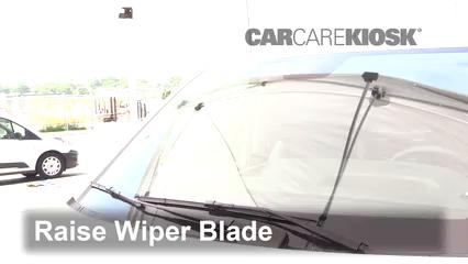 2019 Mercedes-Benz Metris 2.0L 4 Cyl. Turbo Mini Cargo Van Escobillas de limpiaparabrisas delantero Cambiar escobillas de limpiaparabrisas