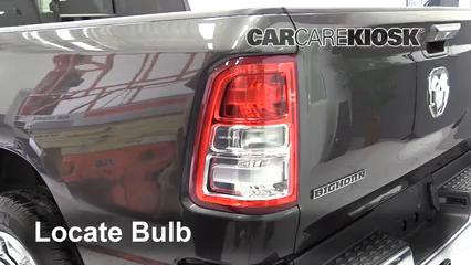 2019 Ram 1500 Big Horn 5.7L V8 Crew Cab Pickup Luces Luz de giro trasera (reemplazar foco)